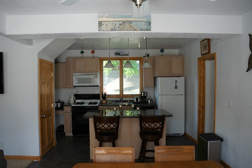 601 S 3rd St - Dining and kitchen area