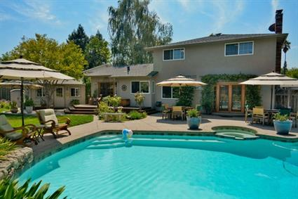 Absolutely beautiful home located in a court and backyard oasis - Sold!