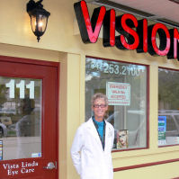 Dr. Murray brings 30 years of eye care experience to the NW suburbs.