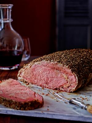 Marinated for 24 hours, slow roasted + hand-carved, our prime rib is always a favourite.