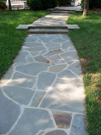 We inventory beautiful pallets of irregular flagstone in various colors of stone.  Perfect for walkways and patios.