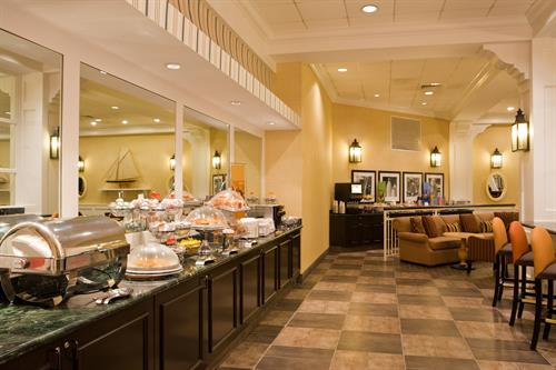 Hampton Inn Boston-Natick Breakfast Buffet
