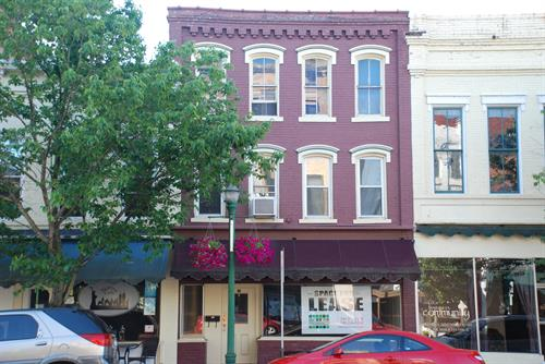 112 Putnam Street, Office or Retail Space for Rent!