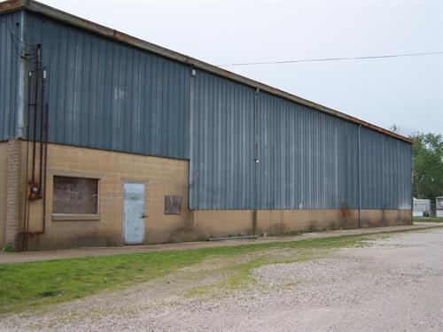 111 Montgomery St, 14,400 SF Warehouse