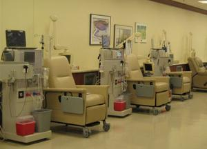 Our in-center unit features 18 patient stations.