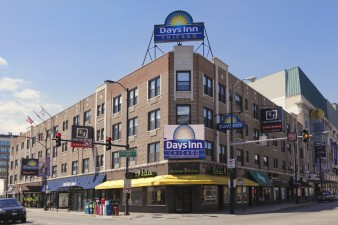 Welcome to the Days Inn Chicago