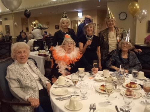 Brookdale Lake View residents ring in the New Year!