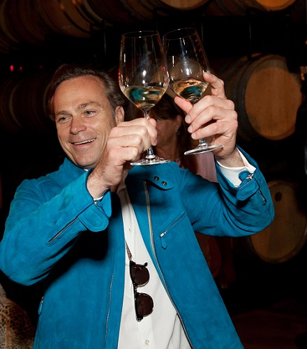 Gallery Image Jean-Charles_double_toasting_-_for_web.jpg