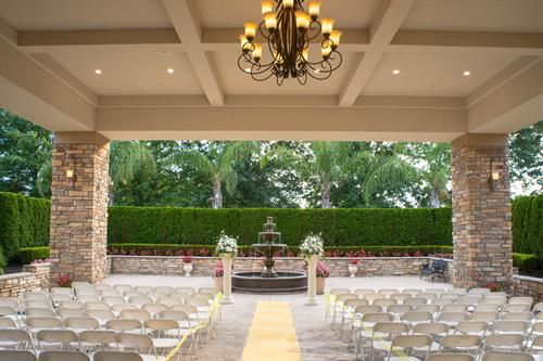 Outdoor and indoor wedding ceremonies available