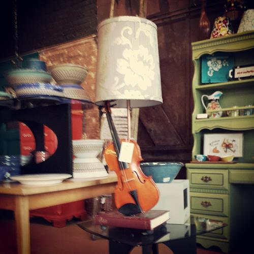 Violin lamp, pottery, hand-painted porcelin.