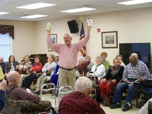 Volunteers Singing for our Veterans
