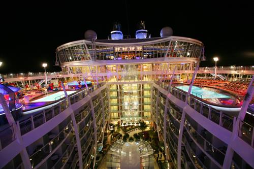 Central Park Night Allure / Oasis of the Seas