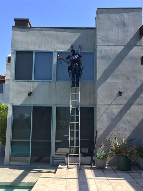 Typical window washing