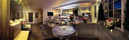 Il Cielo's New Bar