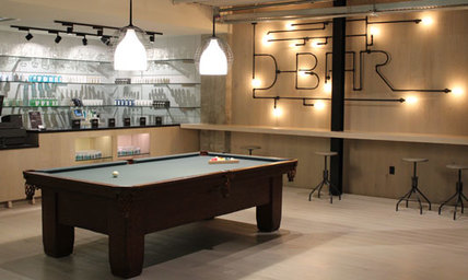 Lounge and Pool Table