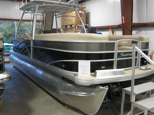 2015 Premium double decker Wet Bar Pontoon with a Slide for the Kids