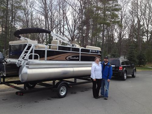 Another Happy Family with their new Sweetwater pontoon