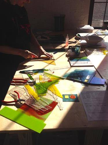 Cutting glass to be fused in the sunshine