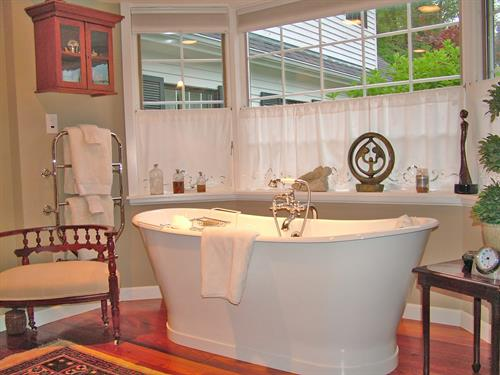 Italian Soaking Tub in the Berllan Glyn King Suite