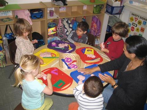 Gallery Image HMB%20PS%20playdough%202013june18.jpg