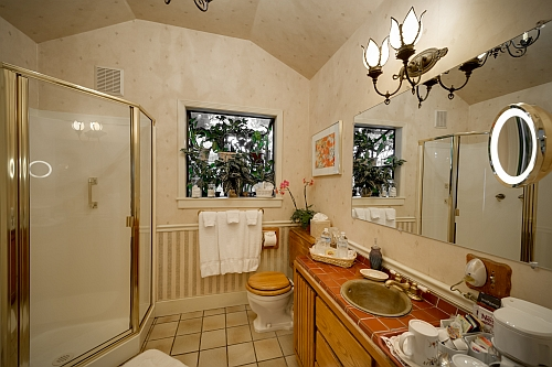 Baroque Rose Room Bathroom