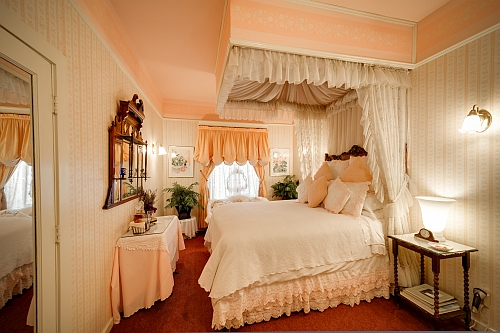 Bordeaux Rose Suite