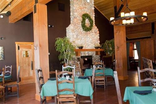 Half Moon Lake Lodge - Restaurant Dining Room