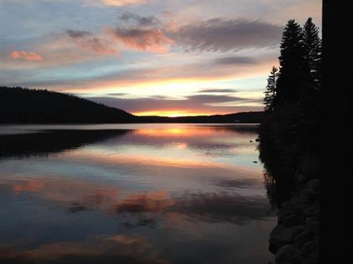 Half Moon Lake Lodge - Amazing Sunsets