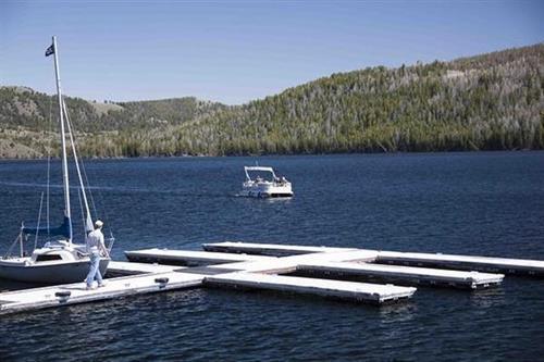 Half Moon Lake Lodge-Boat and Boat Slip Rentals