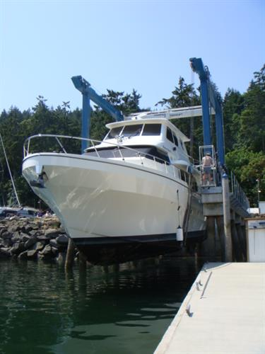 Maple Bay Marina Boat Yard featuring 55-ton Travelift