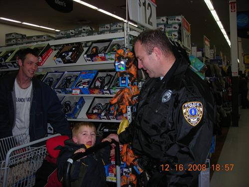 FOP 16's Annual Christmas Shop with a Cop