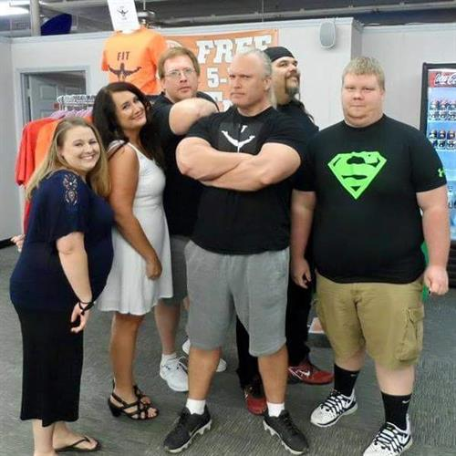 Fit 4 Life TV Fitness Expert Big Jon and Season 1 Contestants!