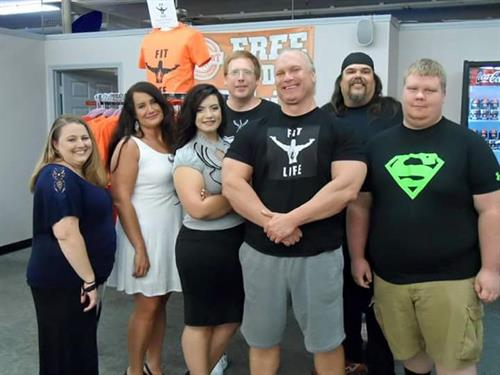 Fit 4 Life TV Fitness Expert Big Jon, Host Emily, and Season 1 Contestants!