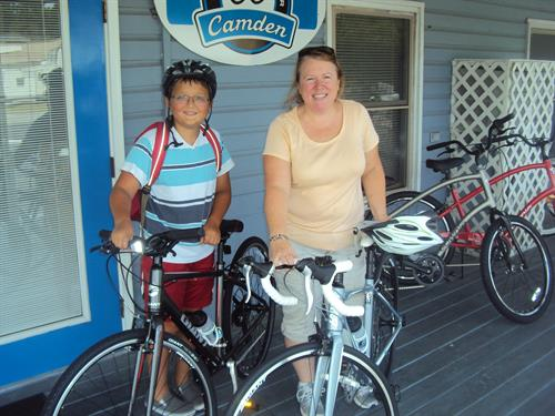 Gallery Image Camden_Bicycle__Center__Jack_Kingston_and__Jess_and_Amber_002.jpg