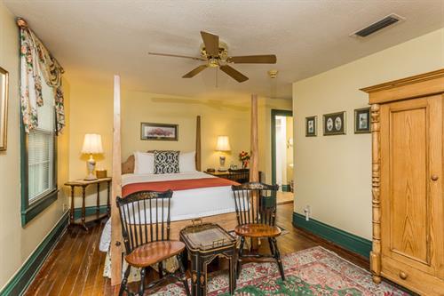 Room 303 (w/305 suite)
