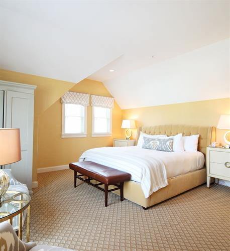 King Classic Guestroom