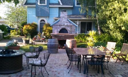 Patio  with Pizza Oven