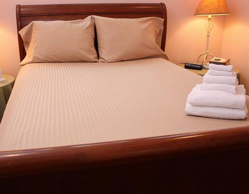 Full/ double sized sheets; https://www.thefuriesonline.com/Cape-Cod-Linen-Rentals/full-double-bed-sheet-options/