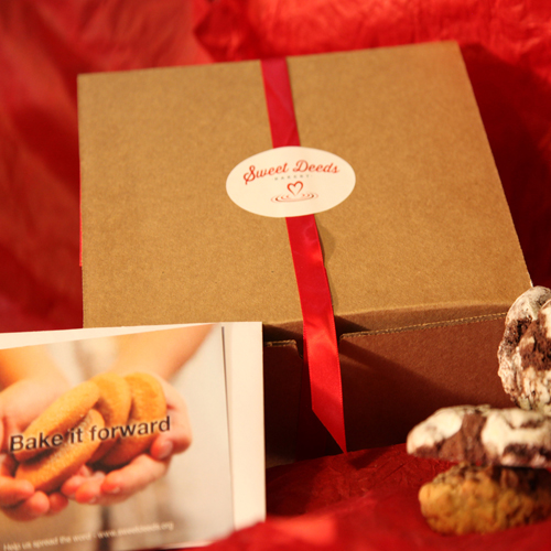 Gift box with customizable greeting card