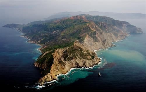 Catalina Island, The Catlina Island Conservancy manages more than 42,000 acres of wildlands on the Island