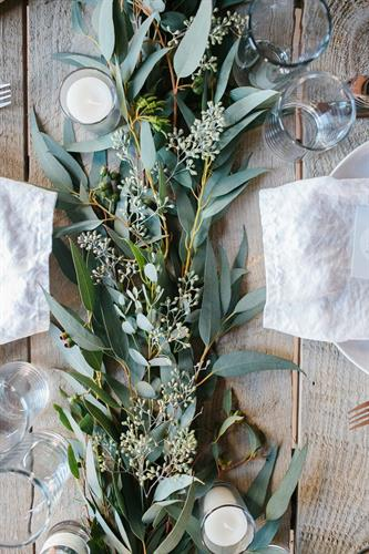 Winter Garland Farm Table Design Eucalyptus
