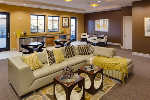 Skyview Lounge