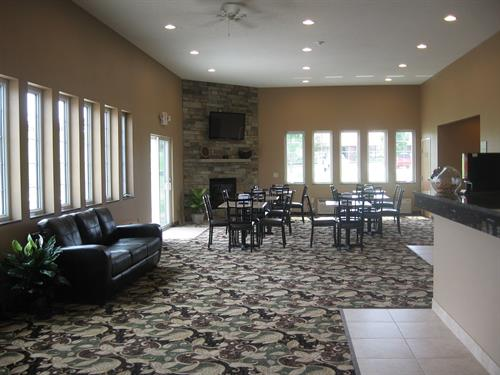 Gallery Image front_lobby.jpg