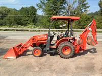 Kubota Mini Backhoe
