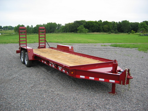 Drop-deck tag trailer.