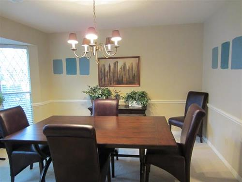 Diningroom before staging