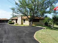 1610 W 4TH ST LAMPASAS TX 3/2 1822 SQFT ON 3 ACRES, LARGE WORKSHOP! VERY WELL MAINTAINED LAWN!! $279,900