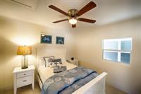 4BR/2BA Exec Suite- Double Size Bed