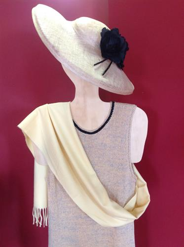 Tank dress with cashmere shawl and stylish hat