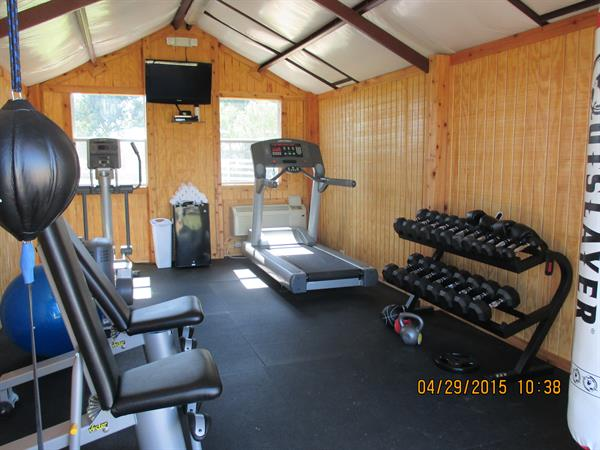 Workout room with outstanding eqipment